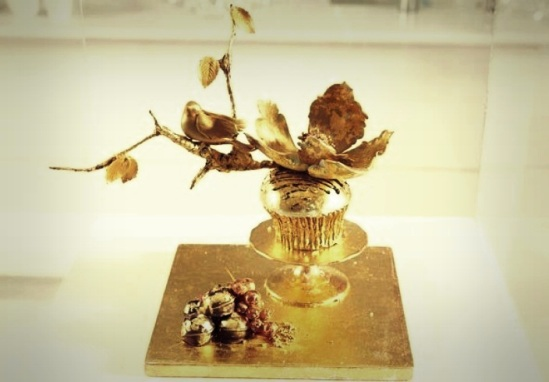 Most Expensive Cupcakes in the World Top 10 5.Food Network UK's Luxe Gold Cupcake - $1.227
