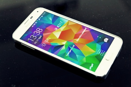 Best Smartphones Available Now  Top 10 2. Samsung Galaxy 5S